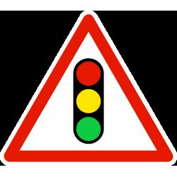 Panneau de danger annonce de feux tricolores A17