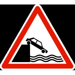 Panneau de danger débouché sur un quai ou une berge A20