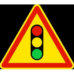 Panneau de danger feux tricolores réglant une circulation alternée AK17