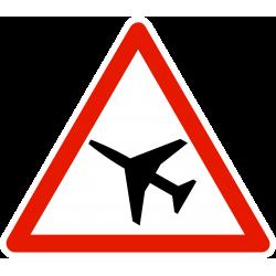 Panneau de danger traversée d'une aire de danger aérien A23