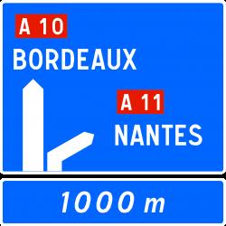 Panneau d'avertissement avec affectation de voies bifurcation autoroutière Da52a