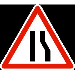 Panneau de danger chaussée rétrécie par la droite A3A